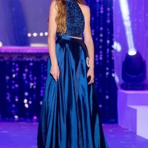 Dresses & Skirts - Sherri Hill Pageant / Prom Dress